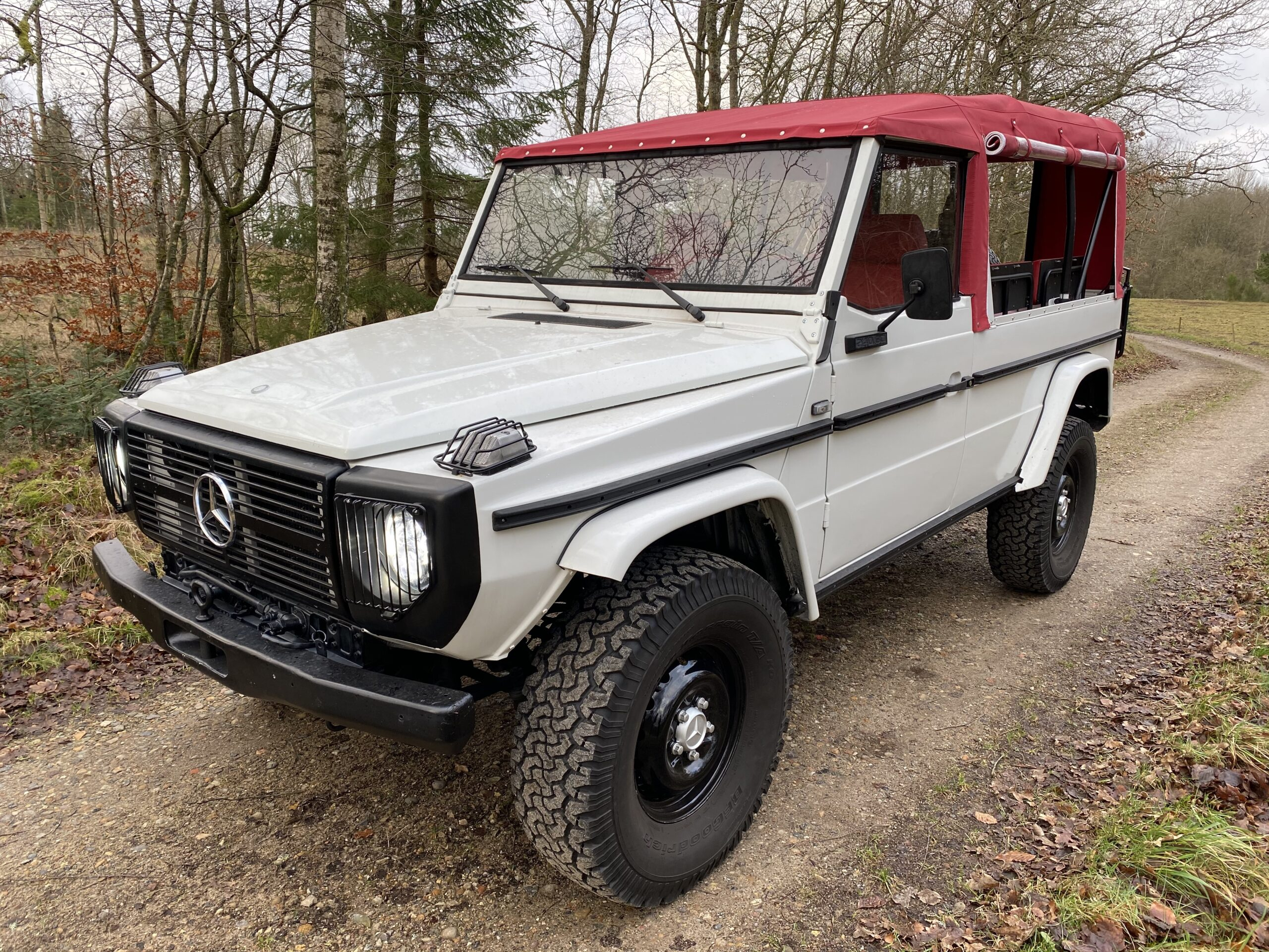 SOLD - Mercedes-Benz 240GD W461 8-persons LWB